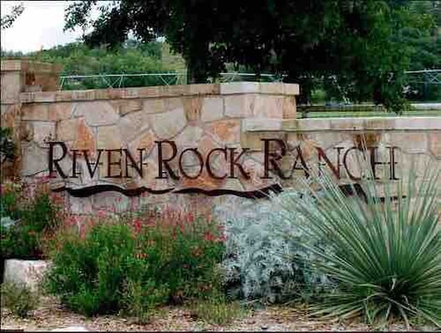 Front entrance to the Riven Rock Ranch