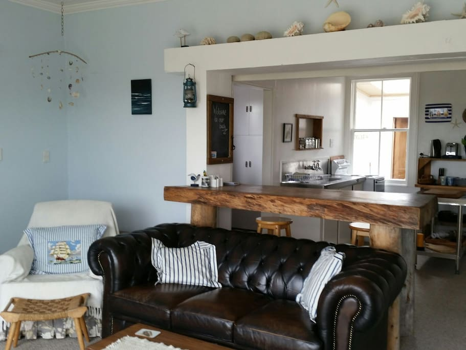Open plan to dining and kitchen