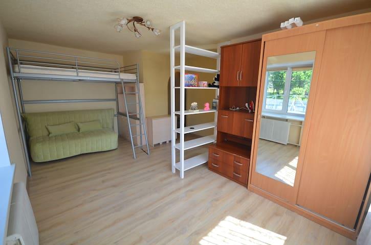 Уютная квартира в сердце Ижевска! - Izhevsk - Apartamento