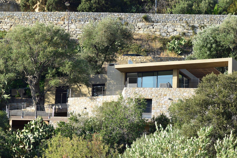 Villa ''Occi'' au milieu d'Oliviers centenaires