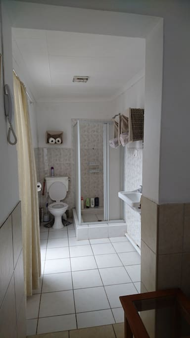 En suite Bathroom (Toilet, Shower & Hand Basin)