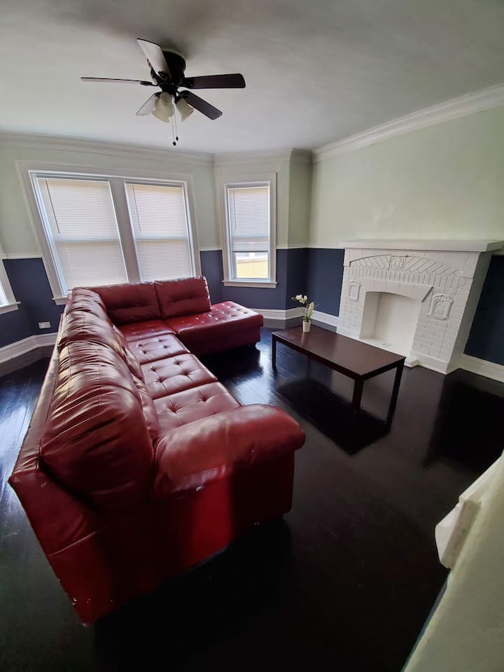 Stylish 1 bedroom with car rental option (C-3)