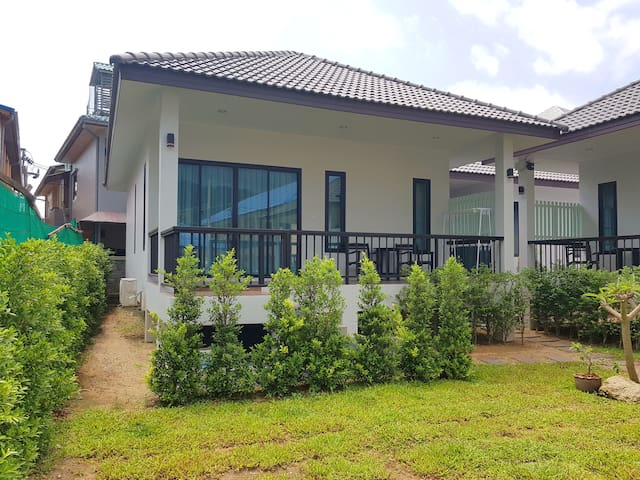 Brand New Modern 1 Bedroom Near Beach B - Ko Samui - House