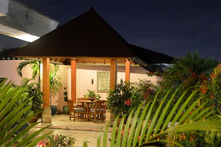PESONA GUEST HOUSE JAKARTA - DELUXE ROOM 3