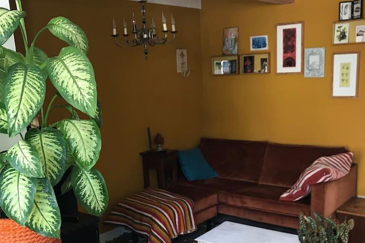 Sfeervolle vakantieplek met tuin en luxe badkamer