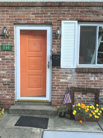 The front door: bright and hard to miss!