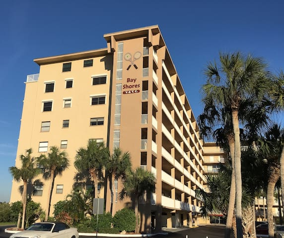 Fantastic condo just steps from the beach