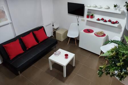 Casa de 2 Plantas acogedora, zona tranquila +Wifi