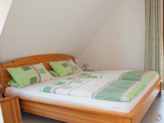 Rombach`s Ruheckle, (Titisee-Neustadt), Ferienwohnung 2, 43qm, 1 Schlafzimmer, max. 4 Personen