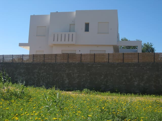 Modern, Nice and Comfortable House - Even Yehuda - Talo