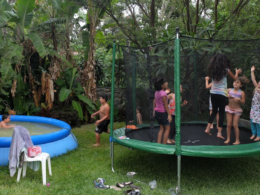 Trampoline and large kids pool... keep the kids happy!