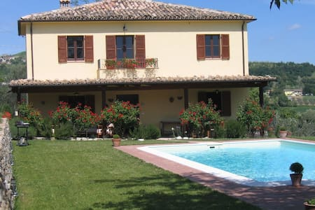 La Casa Felice - Farmhouse with stunning views. - Bivio Cupoli-chirachiuccolo - Rumah