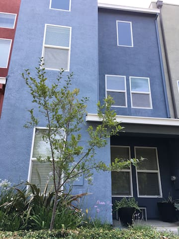 Three story Townhome directly across the street from Village Green Park and amphitheater