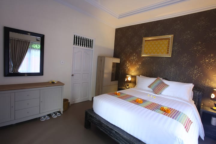 Modern Comfort Room in Sidemen