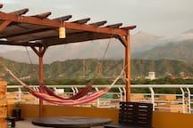 Terraza panorámica con hamacas / Rooftop
