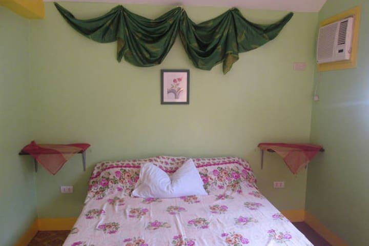 Maria House with 1 of 2 rooms for rent