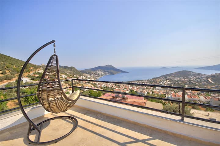 Suite with breathtaking Kalkan view and Jacuzzi