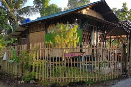 Bear Paw Resort (Bambu Saung Tiny House 1 & Farm)