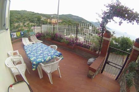 Appartment, sea view, terrace - Laigueglia