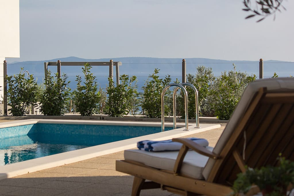 Villa Paolo with pool and gym Makarska for up to 10 people