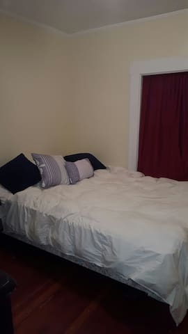 Cozy, convenient location and pet friendly. - Windsor - Pis