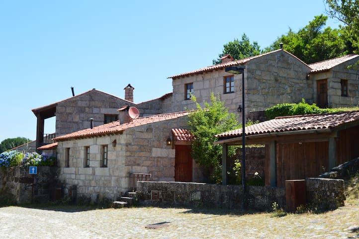 Casa de S. Amaro na Povoa Dao