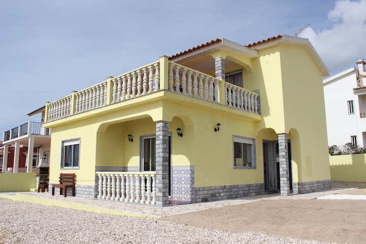 Ericeira Surf & Holiday House