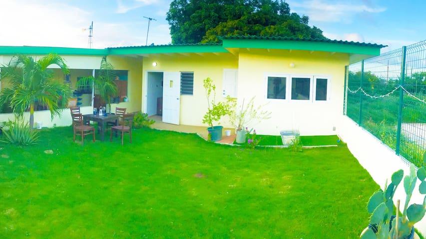 Nardy's Country Garden