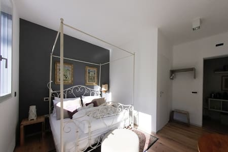 VIA DEI DORI 2B&B Comfort e Design Double room - Mirano - 家庭式旅館