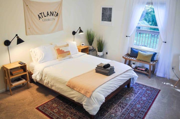 The Peach Suite in trendy Kirkwood, Atlanta