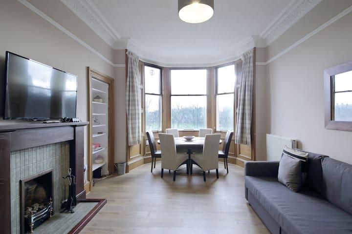 3-bedroom apartment near city centre - Bruntsfield