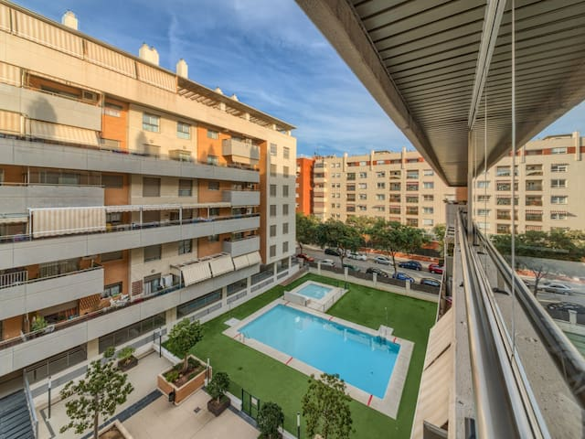 Apartment 3 bedroom with terrace, parking and pool close Martin Carpena & Beach