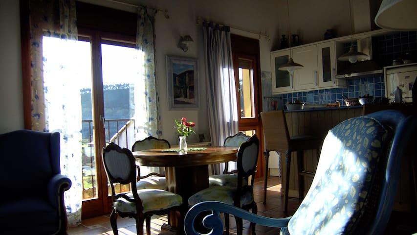 Casa muy acogedora entre el mar y la montaña - Pesués - Rumah