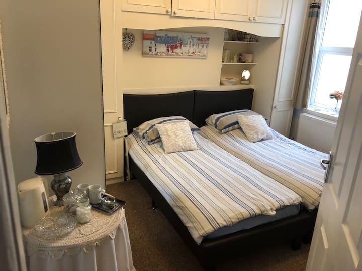 Lavender lodge room 2