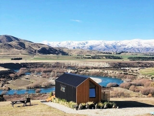 Blue Riverview Tiny House - AMAZING River Views!!