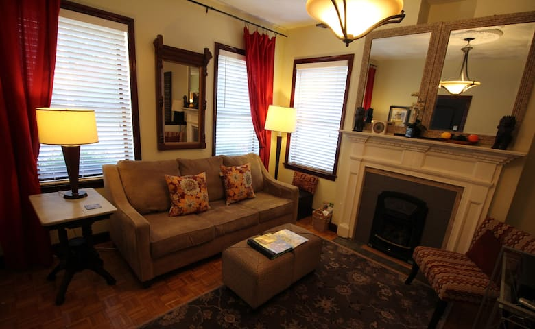 $99* SPECIAL* 2 bed ApT! Location! - Boston - Appartement