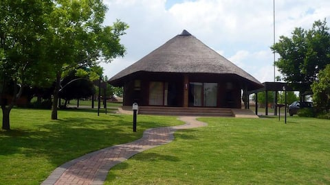 1-Bedroom , Thatched Chalet