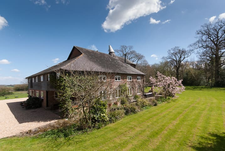Field Green Oast Bed & Breakfast - Kent - Bed & Breakfast