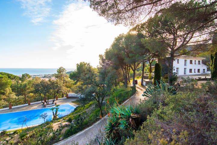 Exclusive villa with pool, sea view - Premià de Dalt - Villa
