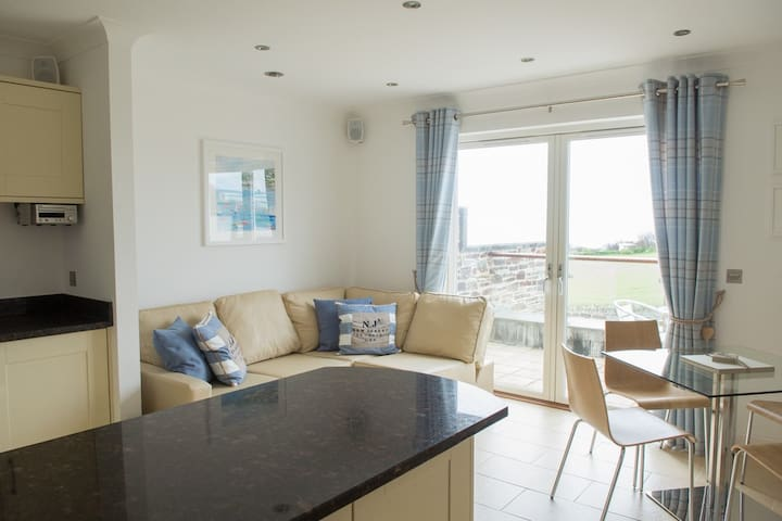 The Treyarnon Suite, Coastal apartment w. balcony - Cornwall - Lejlighed