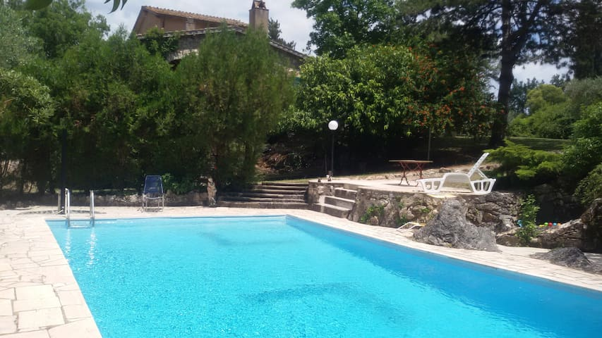 Villa Tucciano, 70 km da Roma