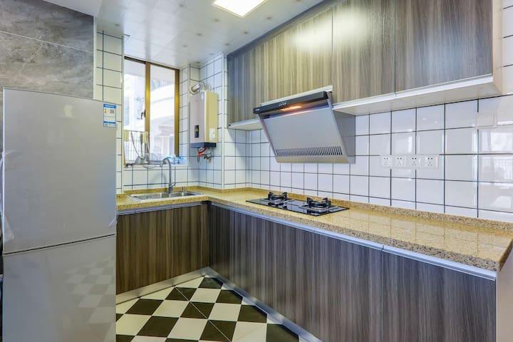 南澳岛蓝海豪景海景公寓  3房2厅2卫   高层  美式风格   自动麻将桌  海景大阳台   ;