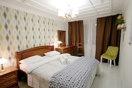 Квартира с двумя спальнями на бул.Леси Украинки 28