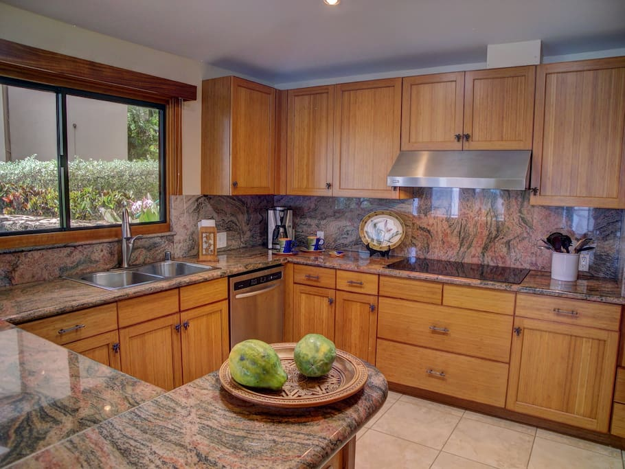 Chef's delight full kitchen with granite tops