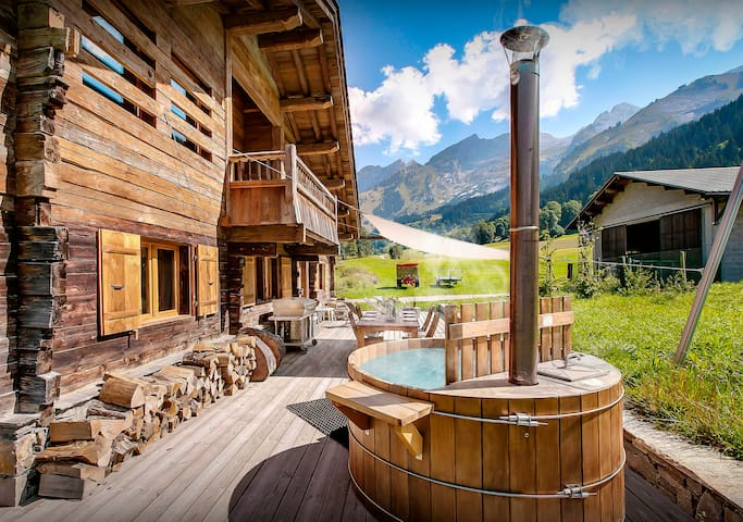 Stunning luxury ski chalet close to pistes and village, wifi - OVO Network