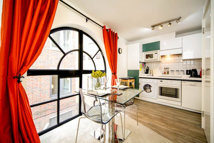 Splendid 1 bed flat close to St Paul's Cathedral