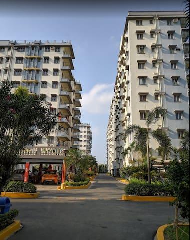 Exclusive 2 BR Condo in Financial Hub of Kolkata