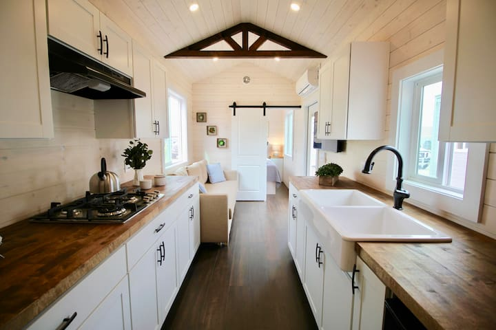 "Tiny Home ""The Farmhouse"" in Tucson!"