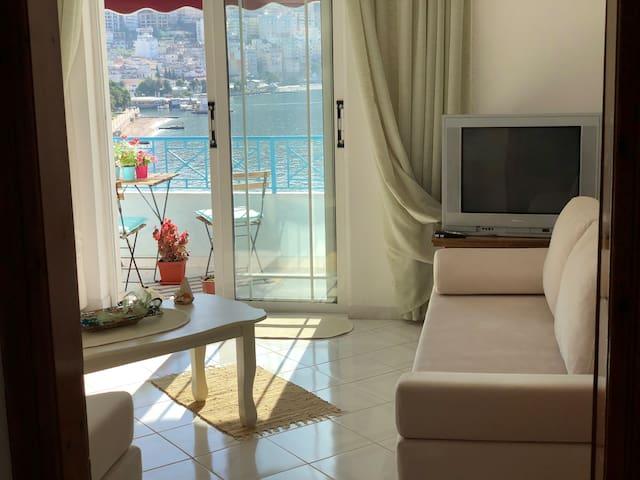 *GEAR* PortSide Sunny Apartment
