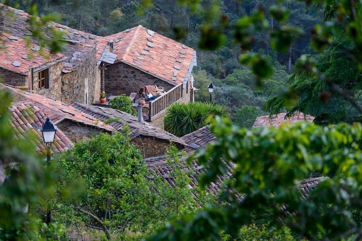 Mountain house with private terrace - Estórias
